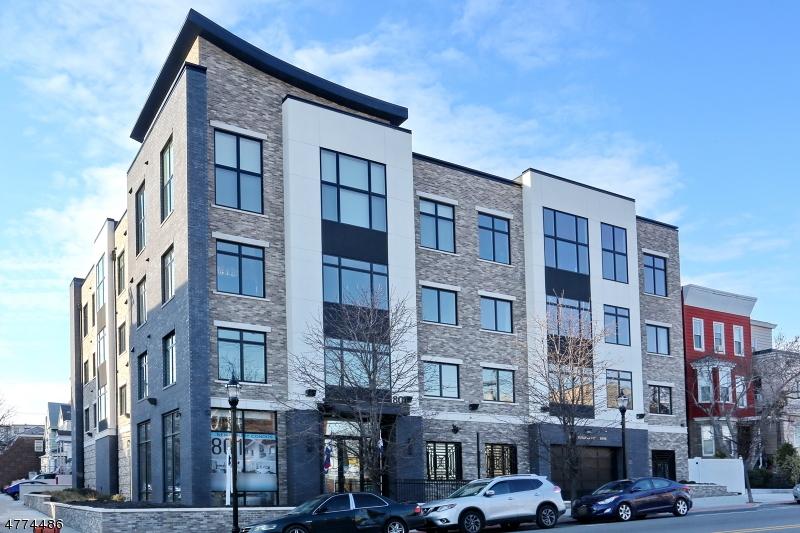 独户住宅 为 销售 在 801 PALISADE Avenue Union, 新泽西州 07087 美国