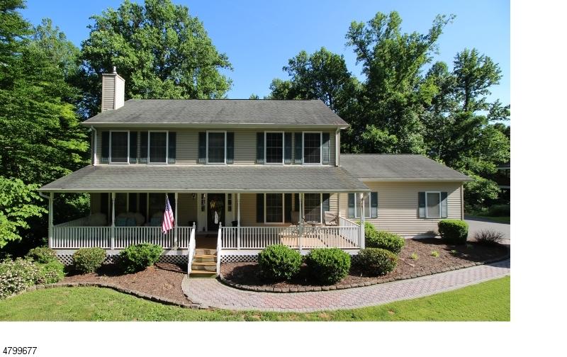 Частный односемейный дом для того Продажа на 14 SOMERSET Drive White Township, Нью-Джерси 07823 Соединенные Штаты