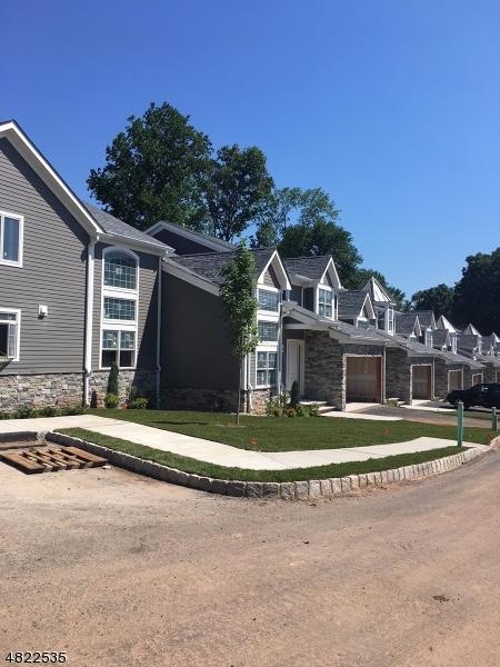 公寓 / 联排别墅 为 销售 在 1498 Alpine Ridge Way Mountainside, 新泽西州 07092 美国