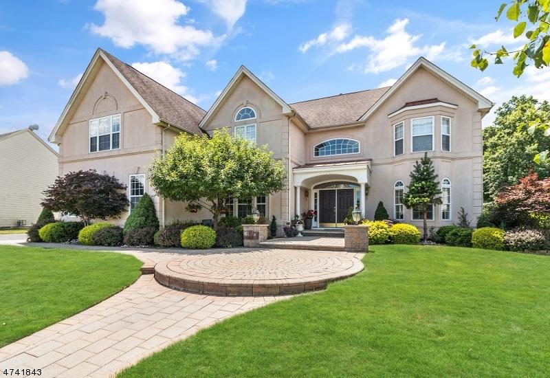 Casa Unifamiliar por un Venta en 9 Plum Tree Lane Franklin, Nueva Jersey 08873 Estados Unidos