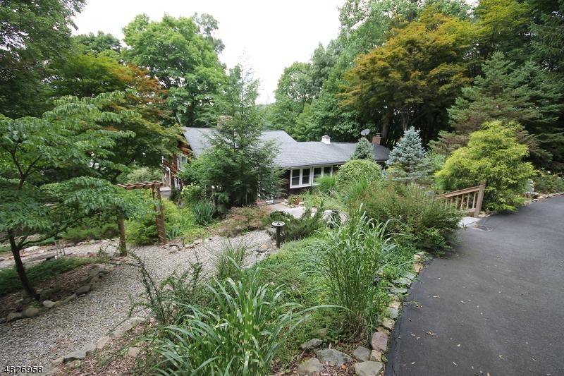Villa per Vendita alle ore 4 PINECLIFF Road Andover, New Jersey 07860 Stati Uniti