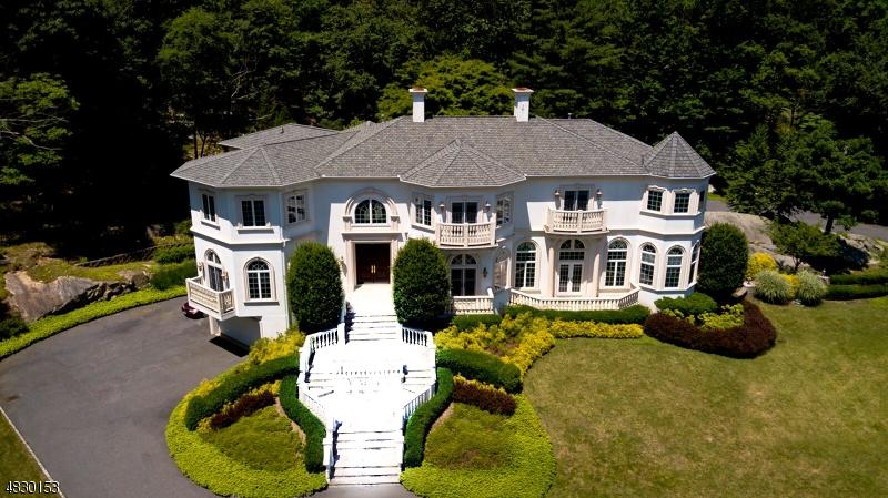 Vivienda unifamiliar por un Venta en 758 W SHORE Drive Kinnelon, Nueva Jersey 07405 Estados Unidos
