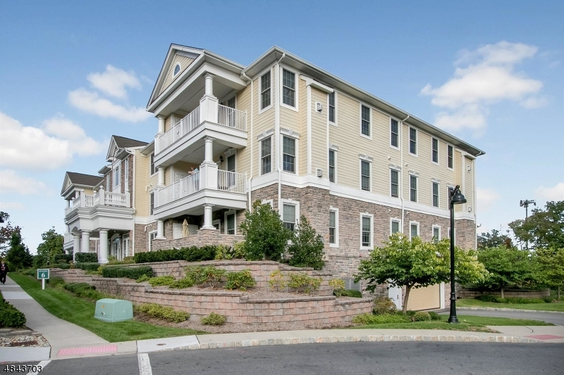 Condo / Townhouse for Sale at 609 FOUR SEASONS Lane Montvale, New Jersey 07645 United States