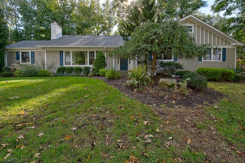 Maison unifamiliale pour l à louer à 11 Seminole Way Millburn, New Jersey 07078 États-Unis
