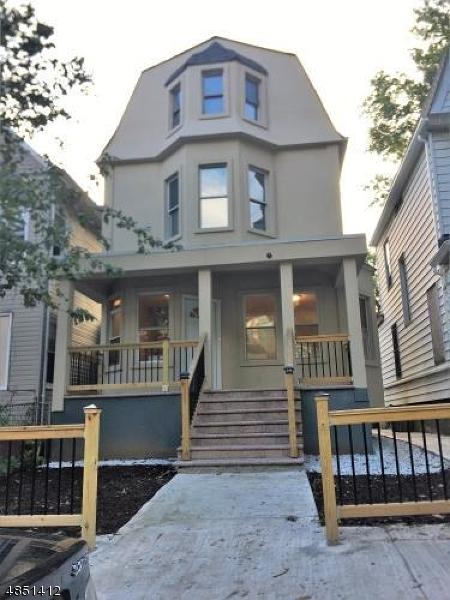 Tek Ailelik Ev için Satış at 86 N 16TH Street East Orange, New Jersey 07017 Amerika Birleşik Devletleri