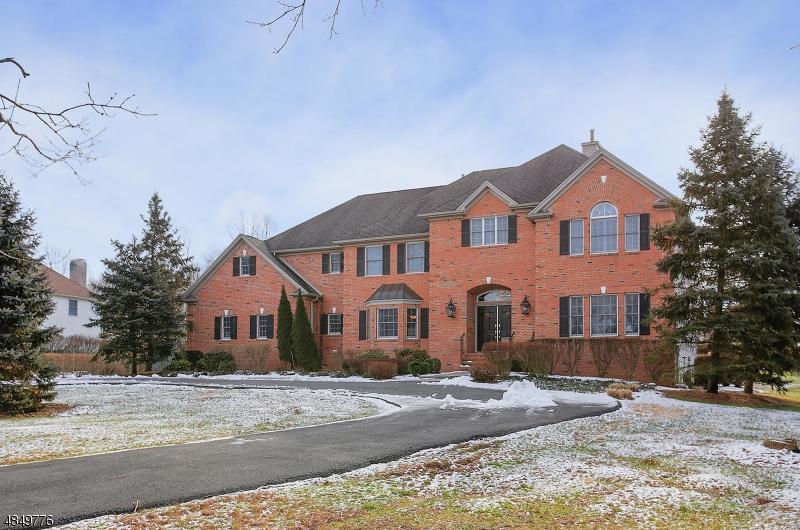 Частный односемейный дом для того Аренда на 3105 VALLEY Road Bernards Township, Нью-Джерси 07920 Соединенные Штаты