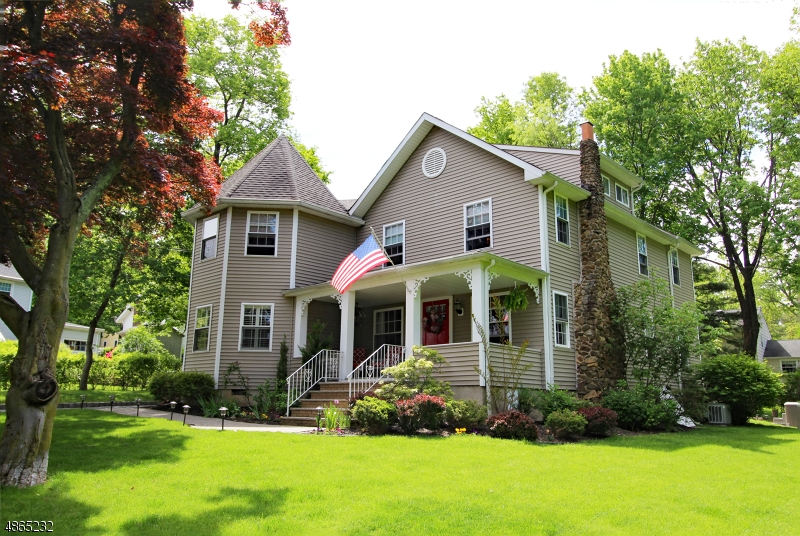 Single Family Home for Sale at 14 ROGERS PL 14 ROGERS PL Berkeley Heights, New Jersey 07922 United States