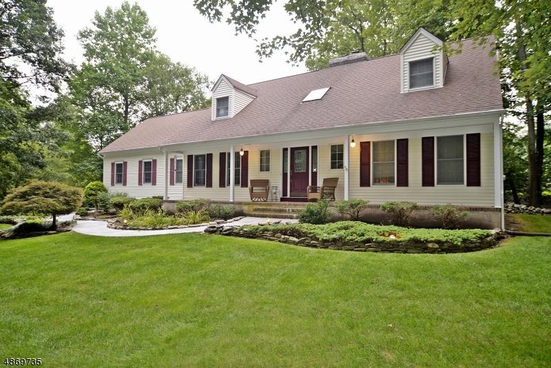 Casa Unifamiliar por un Venta en 100 RIDGE Road Allamuchy, Nueva Jersey 07840 Estados Unidos