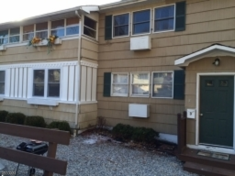 Villas / Townhouses for Sale at 10 Washington Rd 10 Washington Rd Ogdensburg, New Jersey 07439 United States