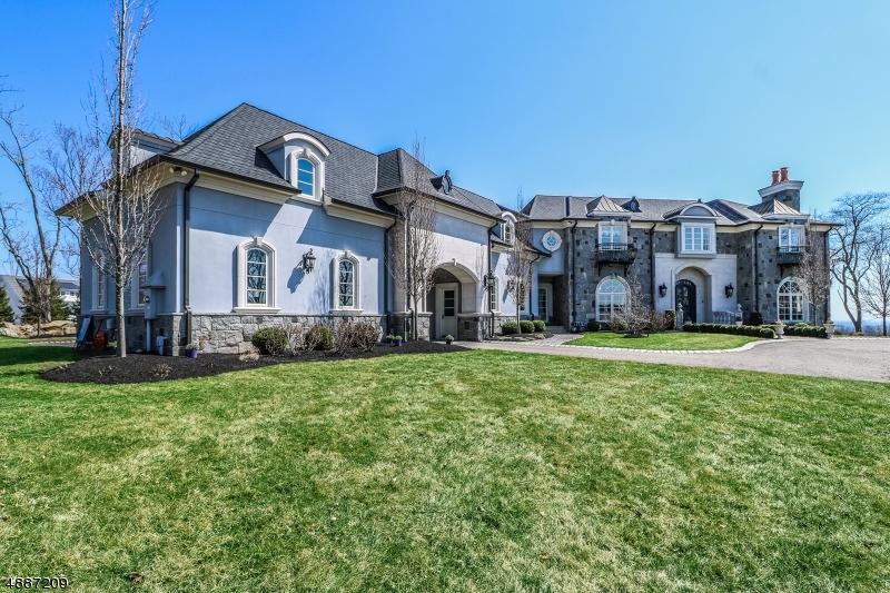 Maison unifamiliale pour l Vente à Tewksbury Township, New Jersey 08833 États-Unis