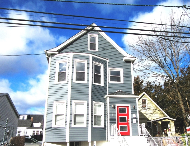 Property для того Аренда на 120 CENTER ST. 2nd Unit Clifton, Нью-Джерси 07011 Соединенные Штаты