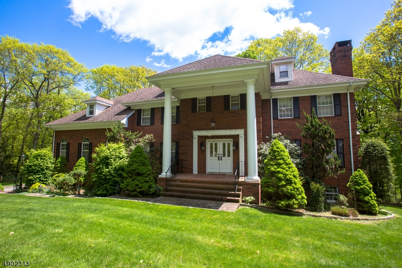 Single Family Homes for Sale at Kinnelon, New Jersey 07405 United States