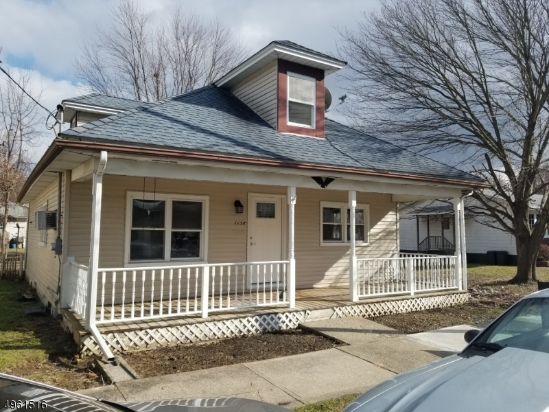 Single Family Homes vì Bán tại Alpha, New Jersey 08865 Hoa Kỳ