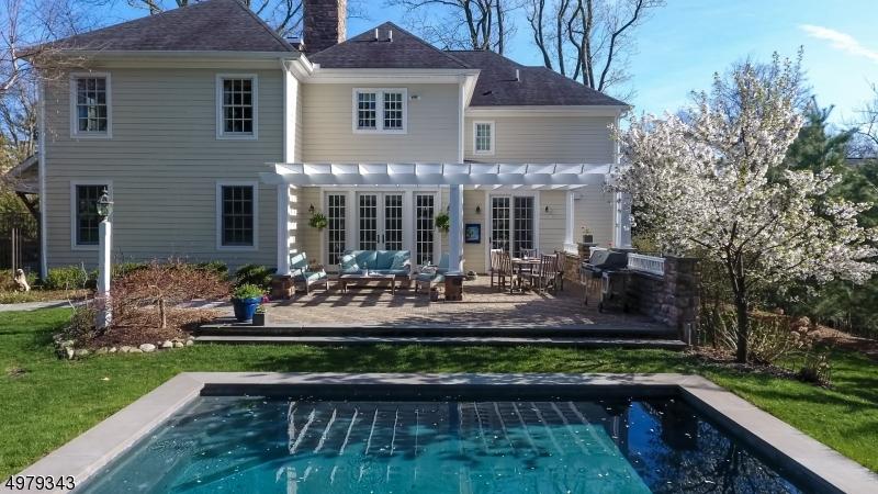 Single Family Homes για την Πώληση στο Chatham, Νιου Τζερσεϋ 07928 Ηνωμένες Πολιτείες
