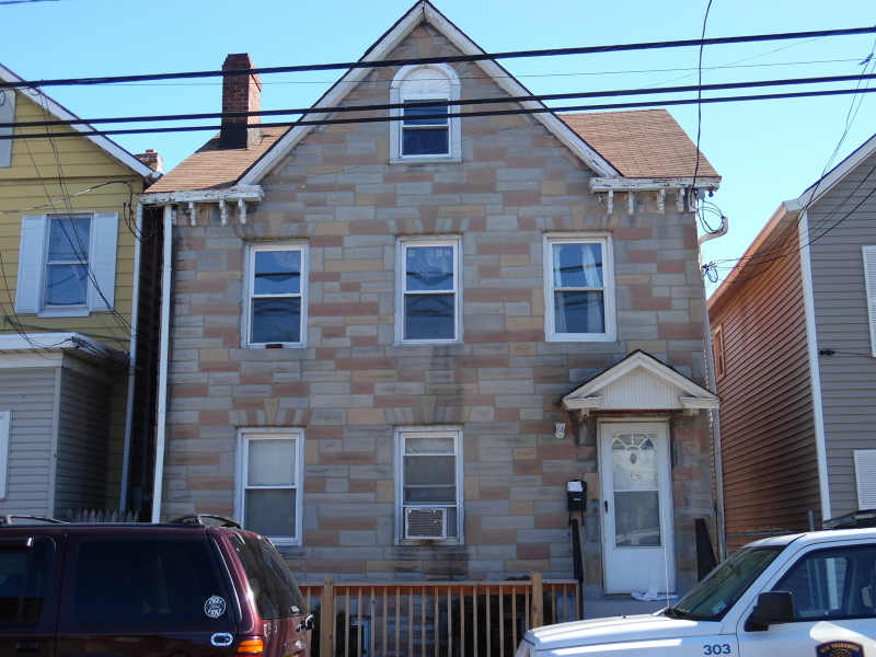 Additional photo for property listing at 70 Lee Avenue  New Brunswick, New Jersey 08901 United States