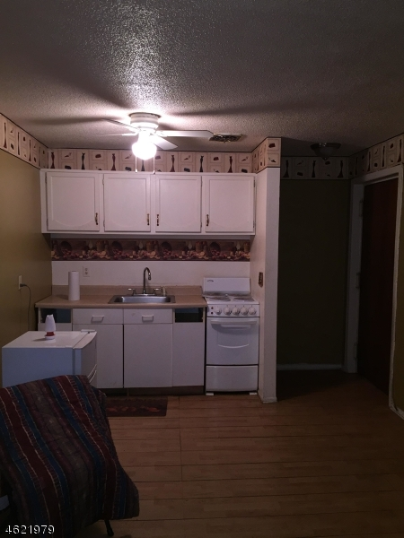 Additional photo for property listing at 28 W Elizabeth Ave, A6  Linden, Нью-Джерси 07036 Соединенные Штаты