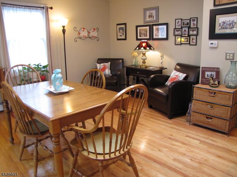 Additional photo for property listing at 208 Alden Street  Wallington, Нью-Джерси 07057 Соединенные Штаты