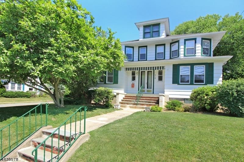 Casa Unifamiliar por un Venta en 38-B PARK Avenue Caldwell, Nueva Jersey 07006 Estados Unidos