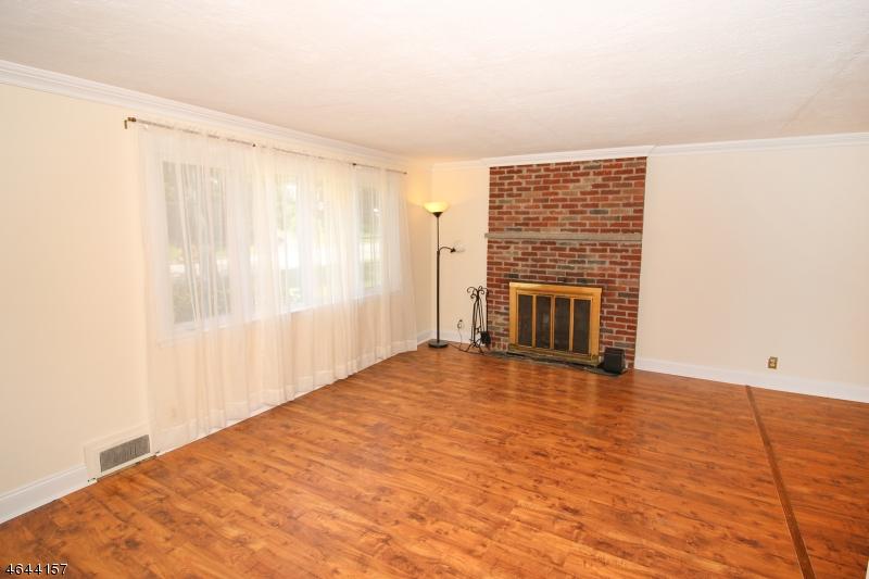 Additional photo for property listing at 38 DOUGLAS  Waldwick, Нью-Джерси 07463 Соединенные Штаты
