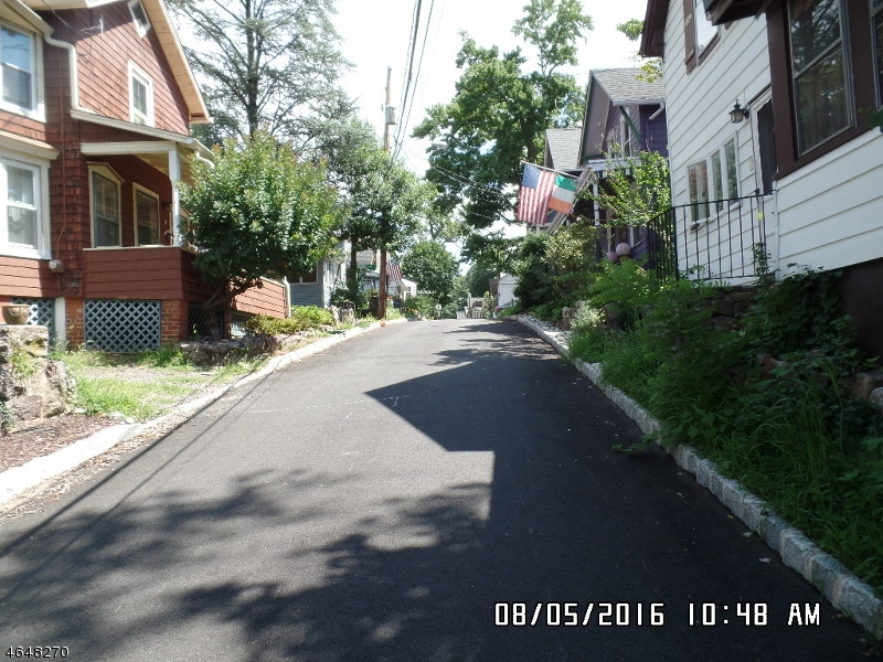 Additional photo for property listing at 8 W Morris Avenue  Mount Tabor, Nueva Jersey 07878 Estados Unidos