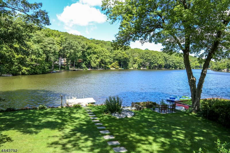 Additional photo for property listing at 98 LAKE SHORE RD EAST  Stockholm, New Jersey 07460 United States