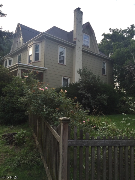 Additional photo for property listing at 184 Inwood Avenue  Montclair, New Jersey 07043 États-Unis