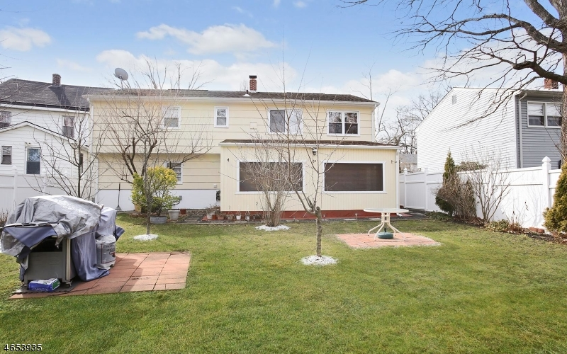Additional photo for property listing at 921 Spruce Street  Roselle, New Jersey 07203 United States