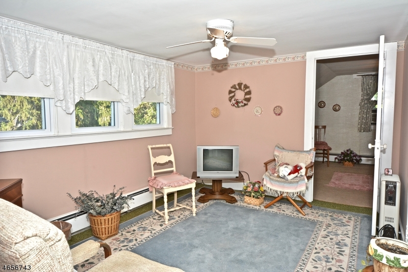 Additional photo for property listing at 44 READINGTON Road  Whitehouse Station, Нью-Джерси 08889 Соединенные Штаты