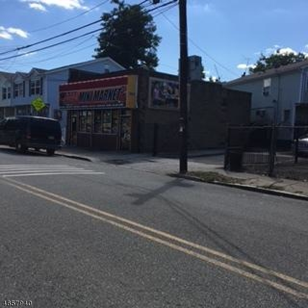 Additional photo for property listing at 584 Orange Street  Newark, New Jersey 07107 États-Unis