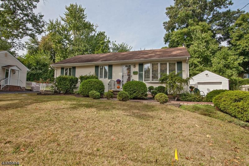 Частный односемейный дом для того Продажа на 28 Huntley Road Summit, Нью-Джерси 07901 Соединенные Штаты