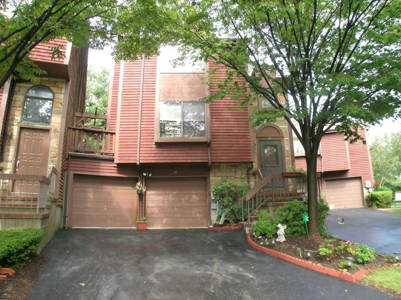 Casa Unifamiliar por un Alquiler en 25 Brotherton Avenue Rockaway, Nueva Jersey 07866 Estados Unidos