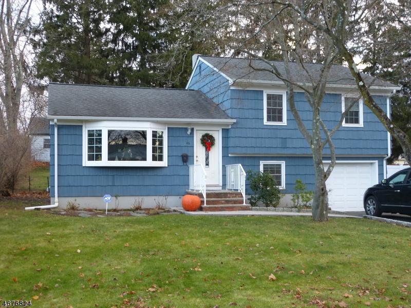 Частный односемейный дом для того Аренда на 46 Ferguson Place Ramsey, Нью-Джерси 07446 Соединенные Штаты