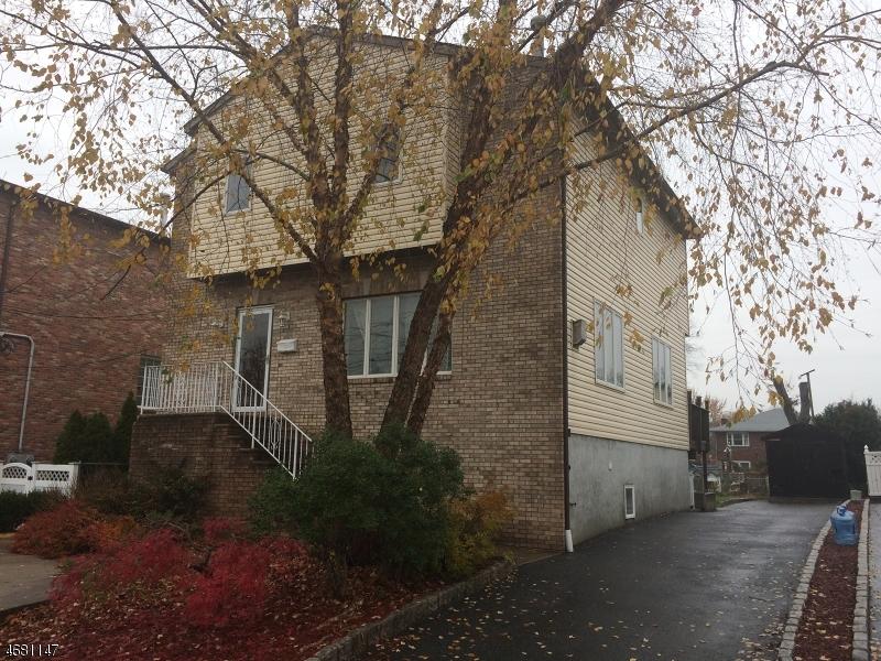 Многосемейный дом для того Продажа на 241 Mountain Way Lyndhurst, 07071 Соединенные Штаты