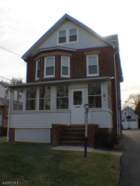 Частный односемейный дом для того Аренда на 15 3rd Avenue Garwood, Нью-Джерси 07027 Соединенные Штаты