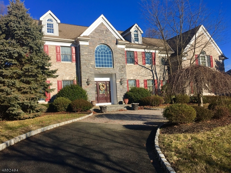 Single Family Home for Sale at 531 Old Post Road Wyckoff, 07481 United States