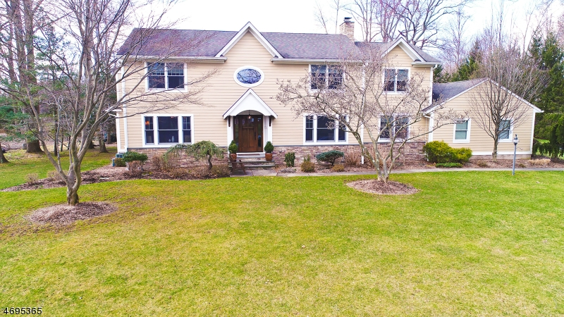 Single Family Home for Sale at 6 Heritage Road Old Tappan, 07675 United States