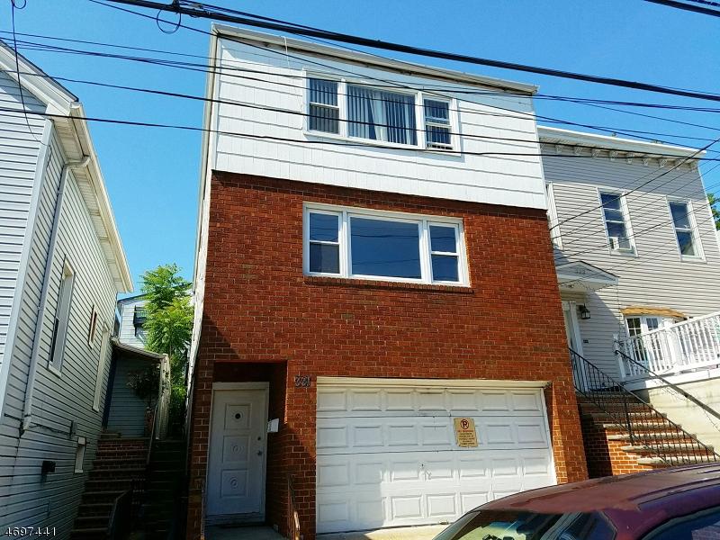 多户住宅 为 销售 在 331 69th Street 西纽约, 新泽西州 07093 美国