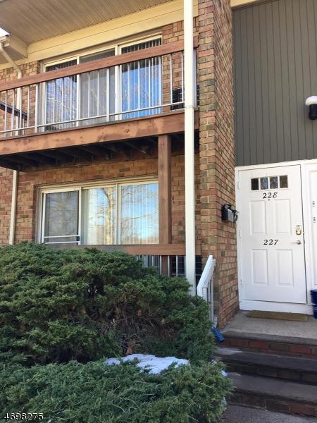 独户住宅 为 出租 在 524 Andria Ave, APT 228 希尔斯堡, 新泽西州 08844 美国