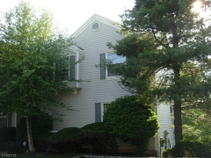 Maison unifamiliale pour l à louer à 375 Finch Lane Bedminster, New Jersey 07921 États-Unis