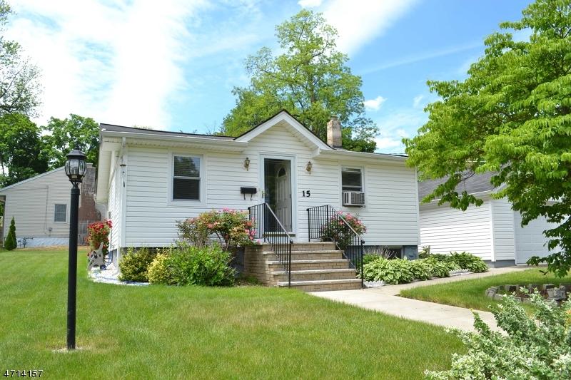 Частный односемейный дом для того Продажа на 15 Hoffman Avenue Lake Hiawatha, Нью-Джерси 07034 Соединенные Штаты