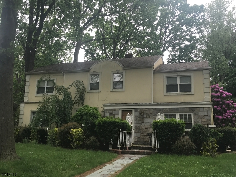 Single Family Home for Sale at 936 Phelps Road Teaneck, New Jersey 07666 United States
