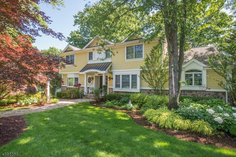 独户住宅 为 销售 在 1066 Pines Lake Dr W 韦恩, 新泽西州 07470 美国