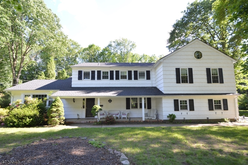 Single Family Home for Sale at 9 Beech Dr Morris Plains, New Jersey 07950 United States