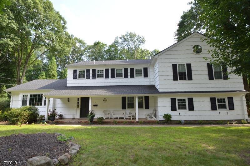 Casa Unifamiliar por un Venta en 9 Beech Drive Morris Plains, Nueva Jersey 07950 Estados Unidos