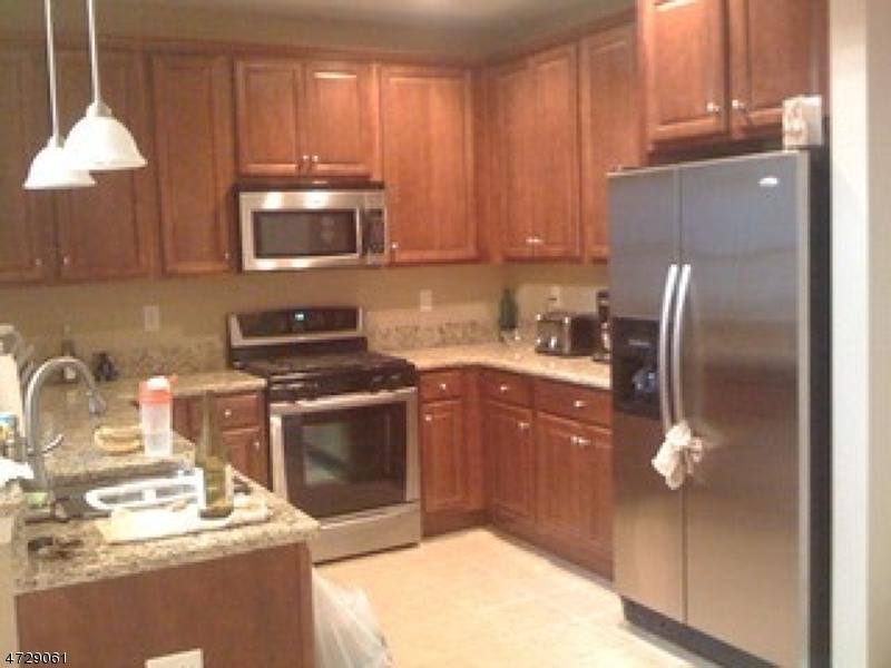 Maison unifamiliale pour l à louer à 6413 Brookhaven Court Riverdale, New Jersey 07457 États-Unis