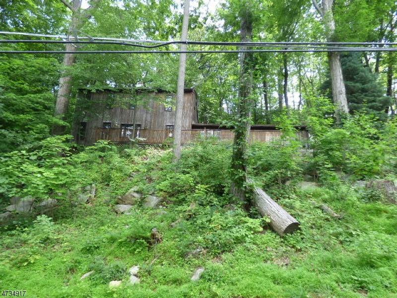 Einfamilienhaus für Verkauf beim 89 Forest Lake Drive Andover Township, New Jersey 07821 Vereinigte Staaten