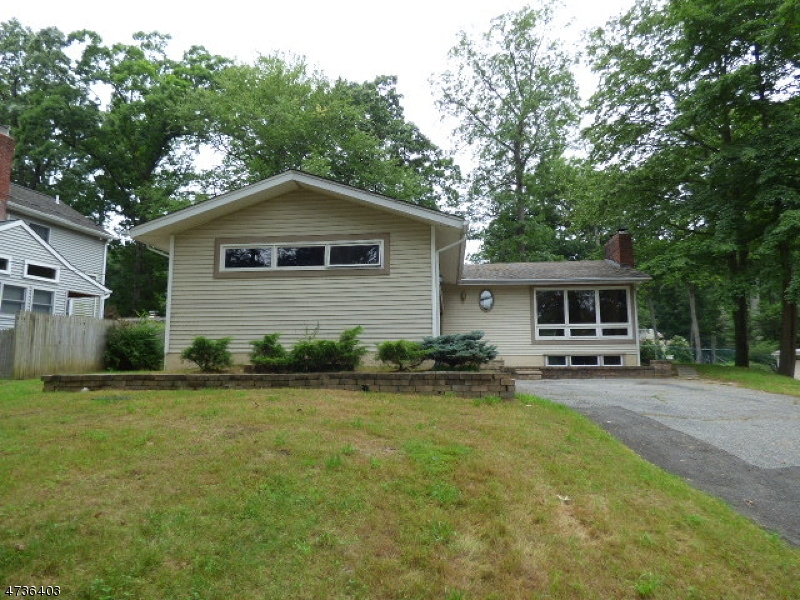 Частный односемейный дом для того Продажа на 669 W Shore Trail Sparta, Нью-Джерси 07871 Соединенные Штаты