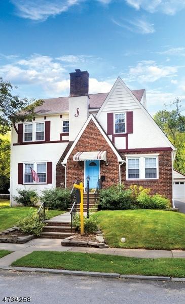 独户住宅 为 销售 在 338 Essex Avenue 338 Essex Avenue 布鲁姆菲尔德, 新泽西州 07003 美国