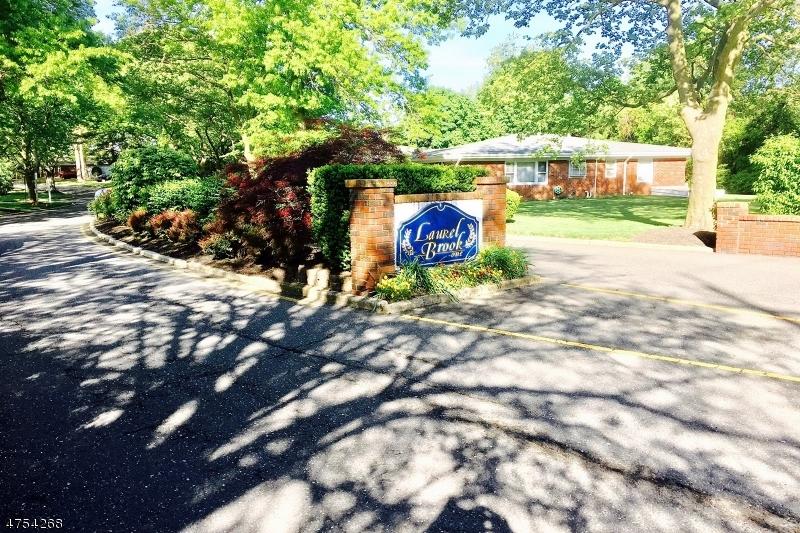 Enfamiljshus för Försäljning vid 12D Court A 12D Court A Brick Township, New Jersey 08724 Usa