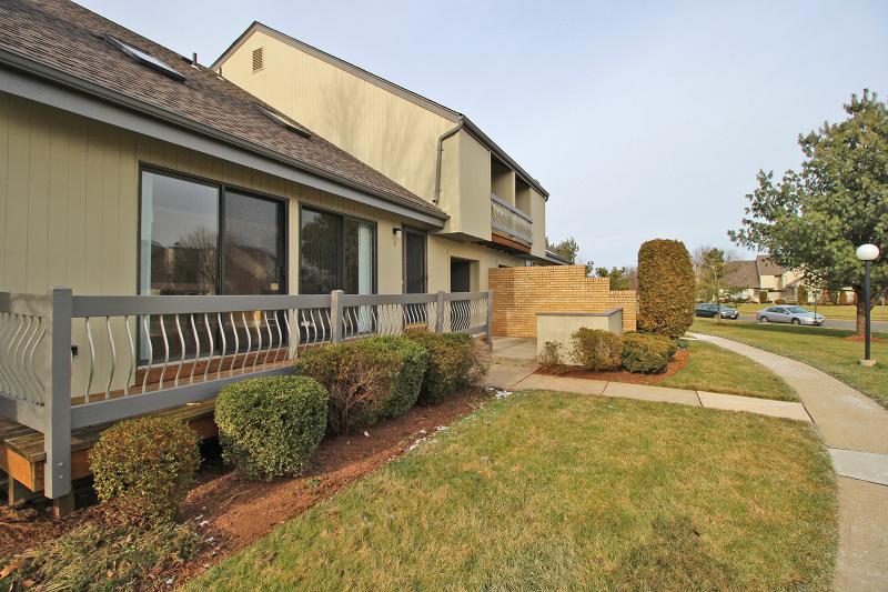 Casa Unifamiliar por un Alquiler en 7 Spencer Street Franklin, Nueva Jersey 08873 Estados Unidos